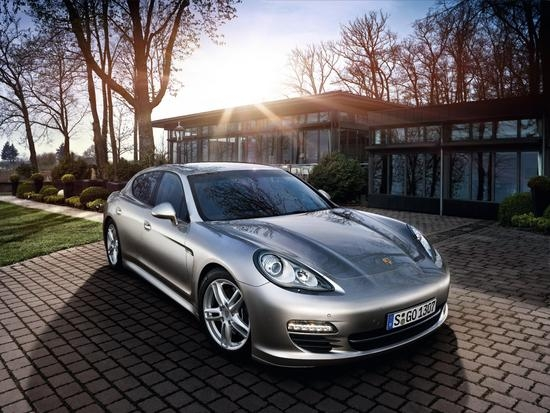 Two New Porsche Panamera Models in Dealer Showrooms
