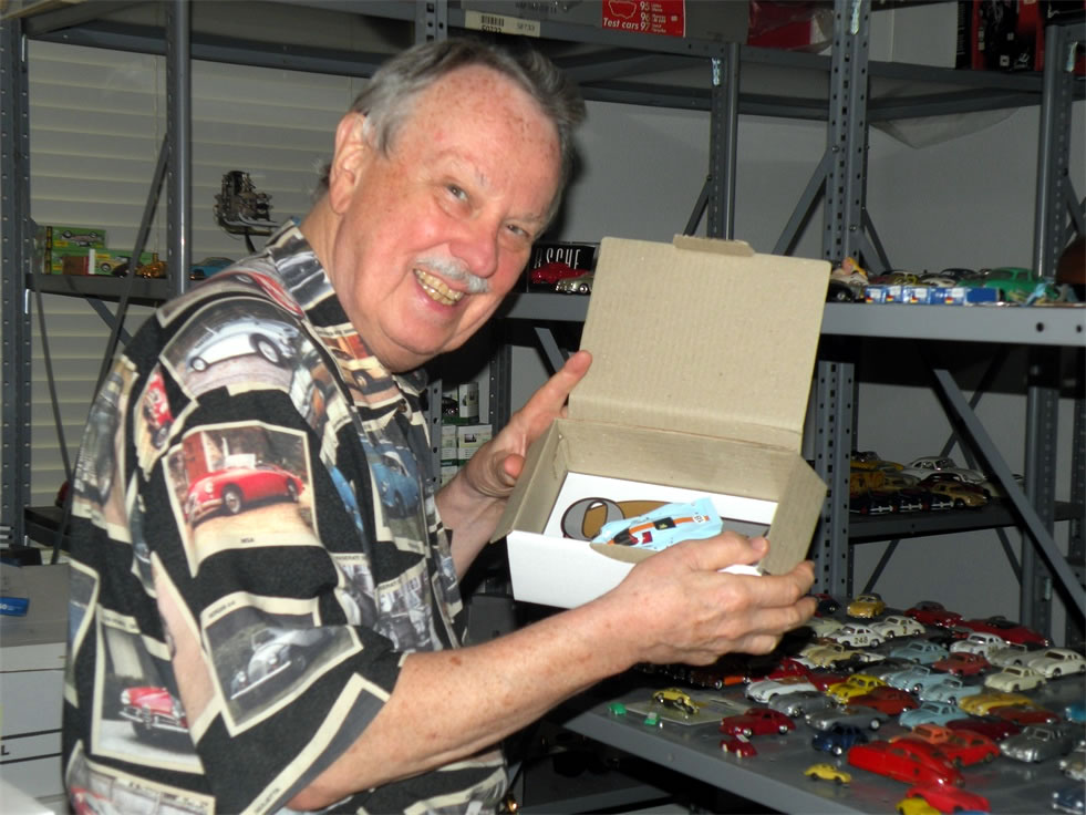 Man Breaks Record For World's Largest Toy Collection – Most Are Porsches