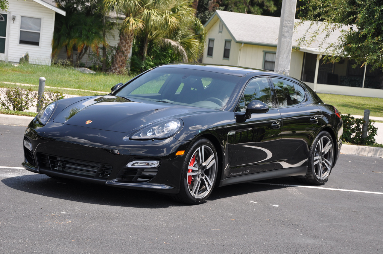 official porsche announces panamera gts in la 9 magazine. Black Bedroom Furniture Sets. Home Design Ideas