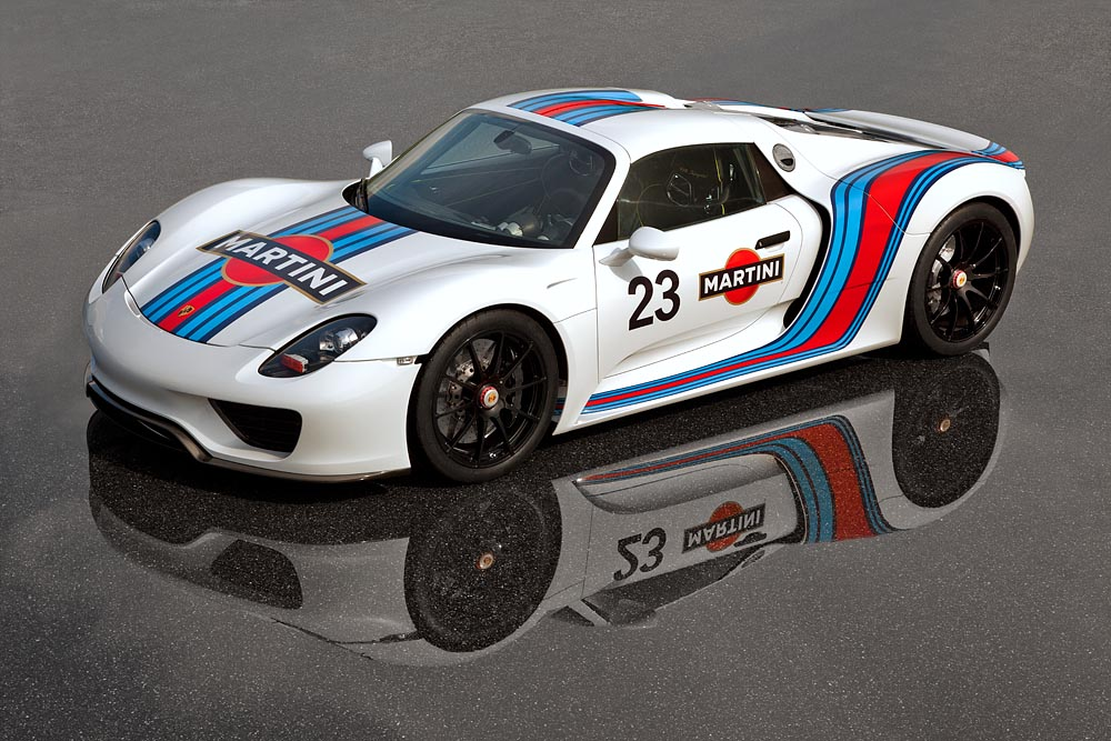 918 Spyder to Be Made Available in Vintage Martini Livery